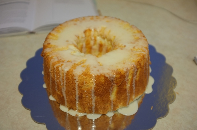 #32 Daffodil Cake