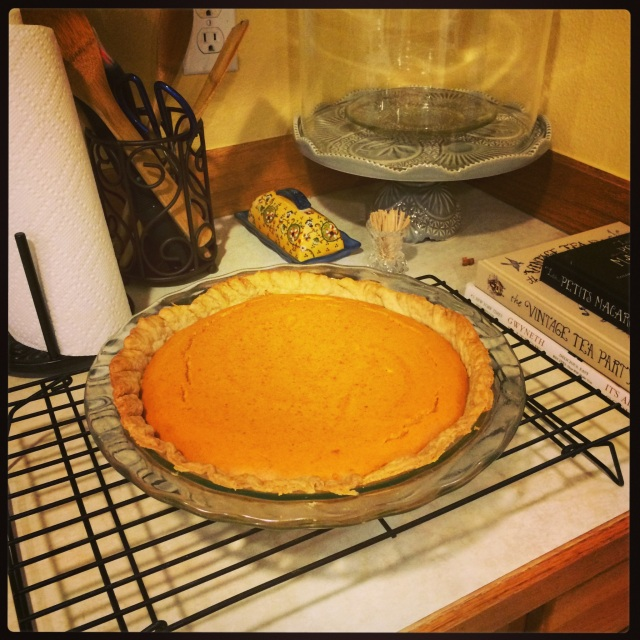 My accidentally sugar-free pie. It looks quite pretty and like it would taste perfect, but I sure fooled everyone...
